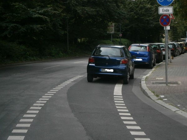 versperrter-radweg-frankfurt-bockenheimer-anlage-01