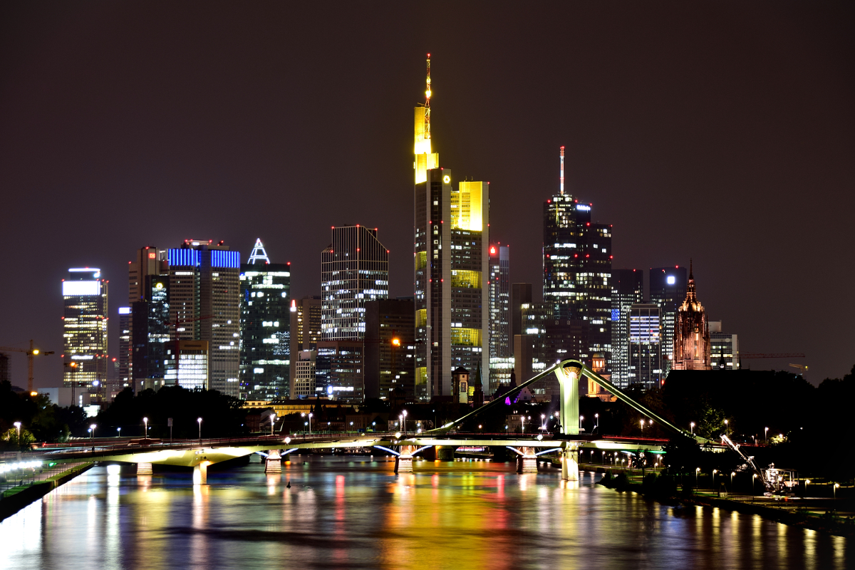 Frankfurt Skyline bei Nacht 2