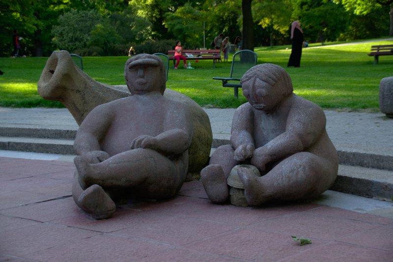 Naked Sculpture Playground Wasserspiele im Günthersburgpark