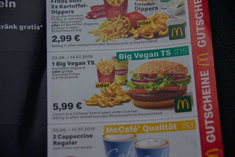 Mc Donalds Big Vegan Ts, Pommes, Lipton Tee