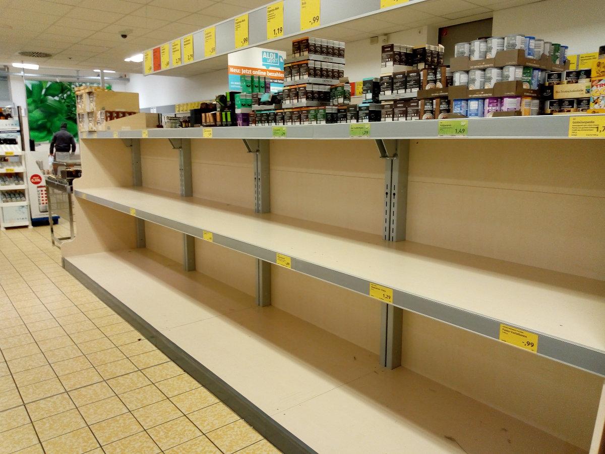 Hamsterkäufe in Deutschland, Leere Regale, Kein Mehl, Reis, Pasta