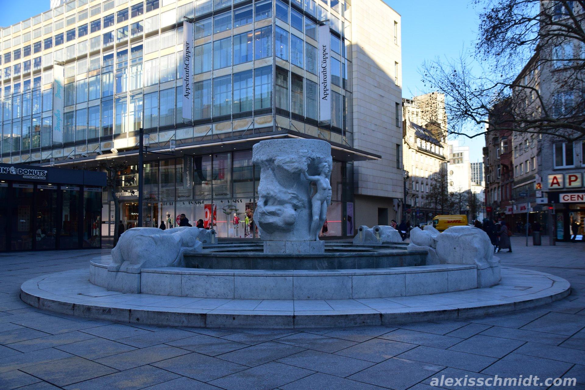 Brockhaus Fountain Zeil Frankfurt