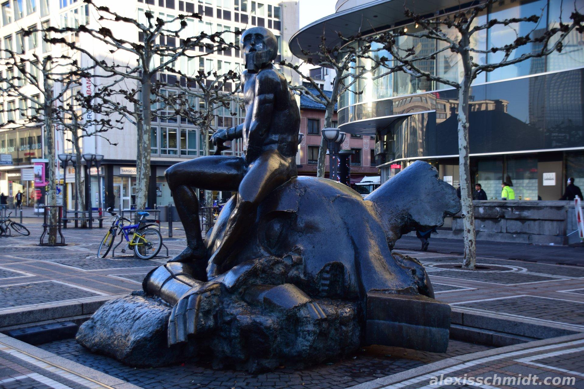 David und Goliath auf der Zeil in Frankfurt am Main