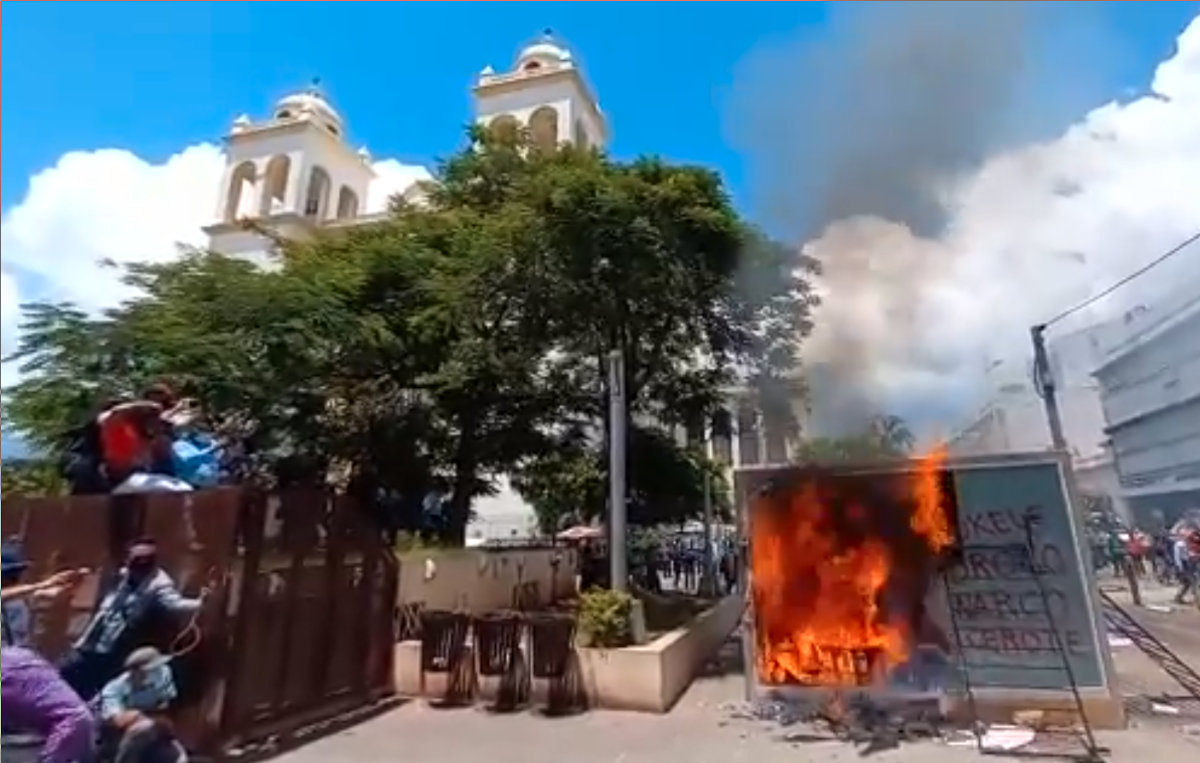 Bitcoin ATM of Chivo is on fire